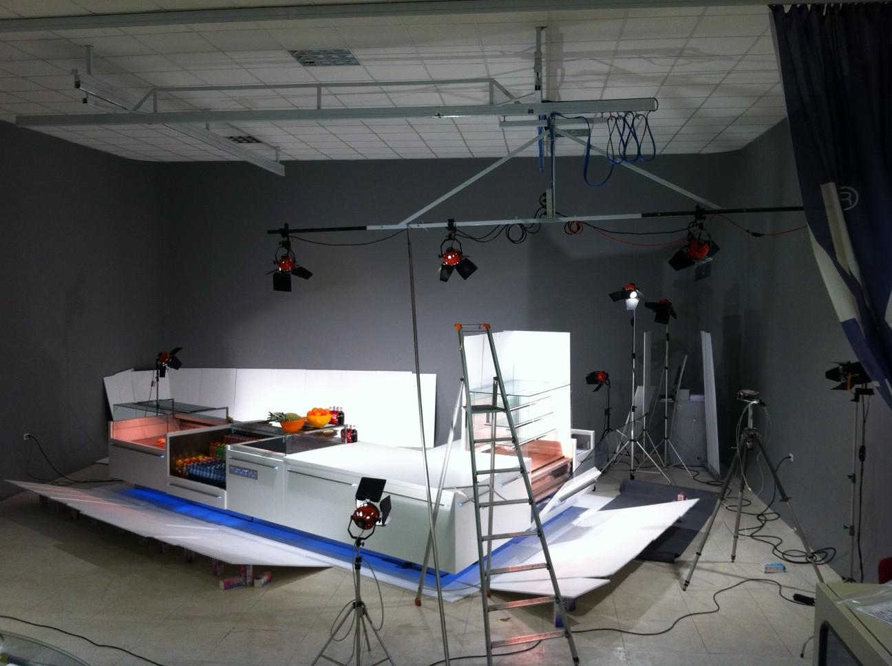 Back stage di mauro de santi di fotografia di mobili con - Di mauro mobili ...